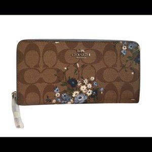 Coach Large Wallet in Floral Bundle Print